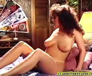 Sexy 80s porn chick..