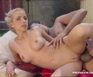 Cameron Cruise, Cynthia..