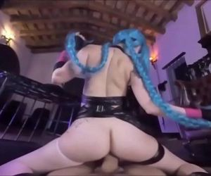 Hot Jinx Cosplay uses..