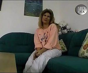 Old lady masturbates