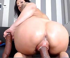 Giant Pussy Milf Webcam..