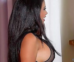 Busty Latina Kesha..