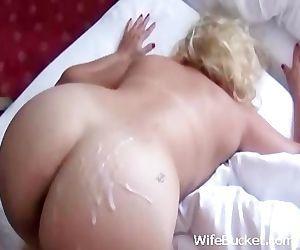 Juicy MILF butt fuck..