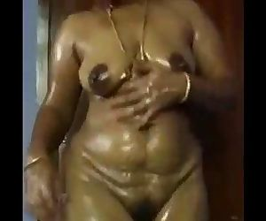 Pavi - Desi wife Nude..