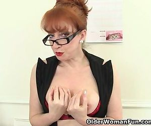British milf Red works..