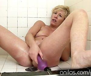 Her own cum dripping..