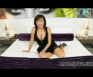 Swinger milf trying out..