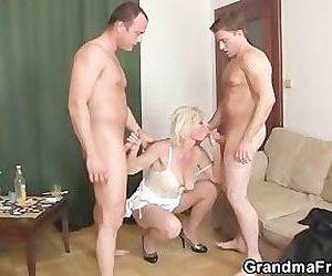 Threesome fucking with..