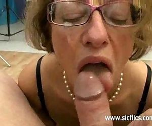 Mature slut fisted and..