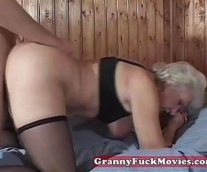 mature granny pussy..