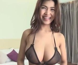 huge natural asian tits..