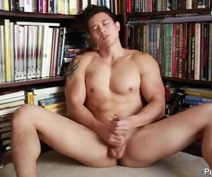 Hot Asian Guy Jerking..
