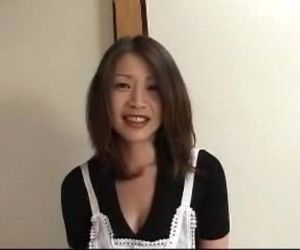 Japanese MILF Seduces..
