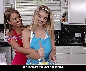 DaughterSwaphot lesbian..