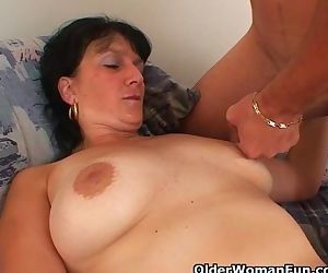 Mom wants your cum on..