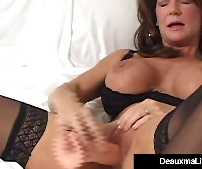 Busty Cougar Deauxma..