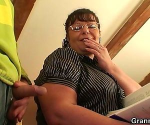 Chubby lady riding cock..