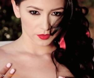 Reyna Arriaga in Hot..