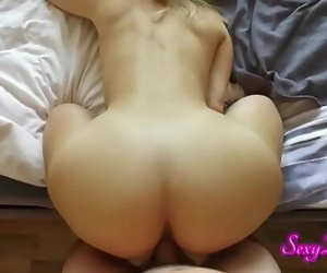 PAWG Unreal Hot Doggy..