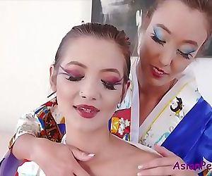 Naughty ASIAN lesbian..
