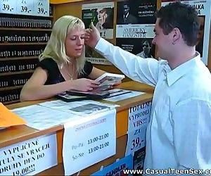 Quick sex in a DVD..