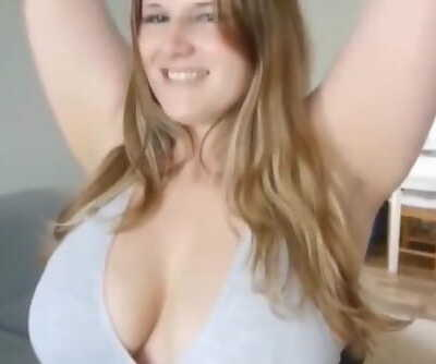Chubby amateur girl..