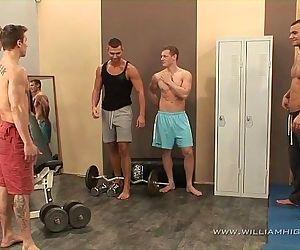 5 muscle guys fuck fest..