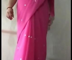 Milf indian saree aunty..