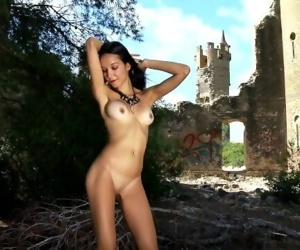 Pornstar brunette..