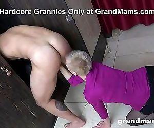 CFNM Hot Granny Rimming..