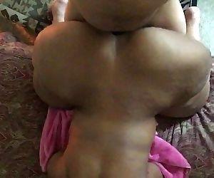 Mature ssbbw big butt..