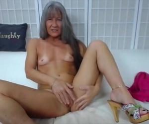 Fitness granny cums hard