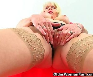 British milf Lady..