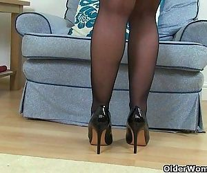 Sexy English milfs..