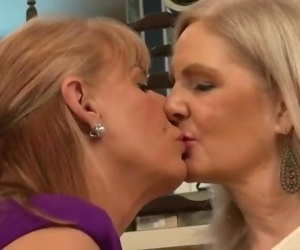 Mature Lesbians