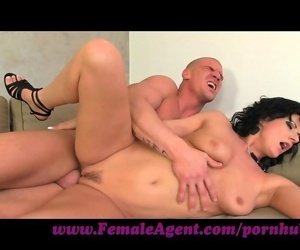 FemaleAgent. Very horny..