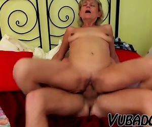 MILF likes to ride..