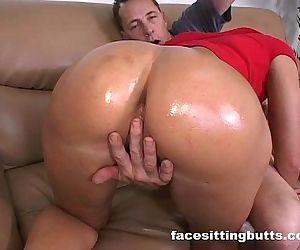 Juicy big ass slut..