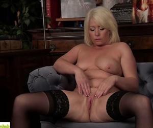 Amber Jewel Fingers Her..
