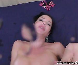 Veronica Avluv squirts..