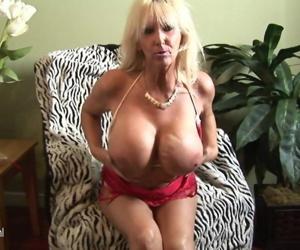 HOT Huge breasted..