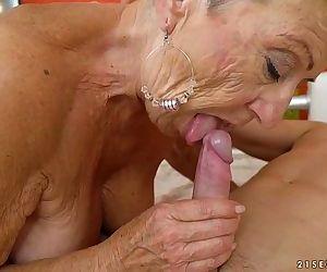Old granny fucks the..