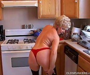 Very sexy grandma has a..