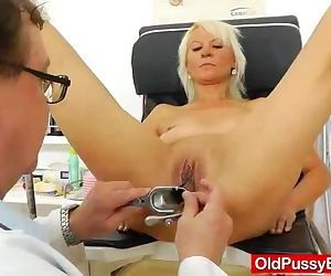 Blond dame gets a gyno..
