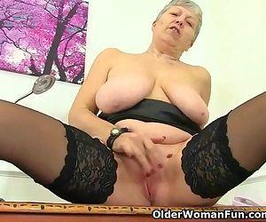 British granny Savana..