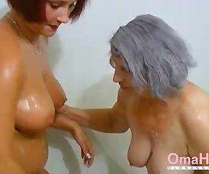 OmaHoteL Grandma and..