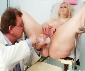 Big titted mom gets..