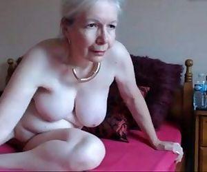 hot UK granny..