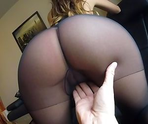 Sexy MILF Claudia..