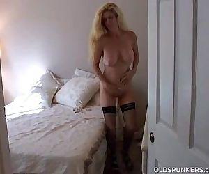 Big tits blonde MILF in..